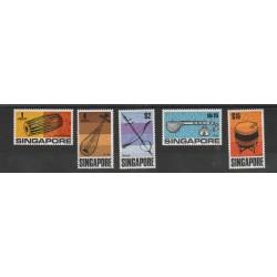 SINGAPORE 1969 STRUMENTI MUSICALI 5 VAL MNH MF 53998