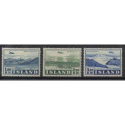 1952  ISLANDA ICELAND  AEREO IN VOLO  UNIF A27/ 29    -  3 VAL MLH MF51353