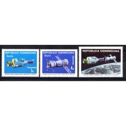 REP DOMINICANA 1975 COOPERAZIONE SPAZIALE USA-URSS APOLLO SOYUZ 3 V MNH MF28923
